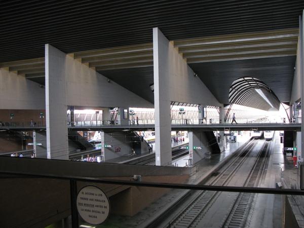 塞維爾火車站內部