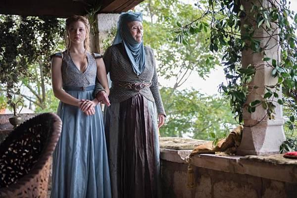 margaery-tyrell-and-her-grandmother-olenna-redwyne-game-thrones.jpg