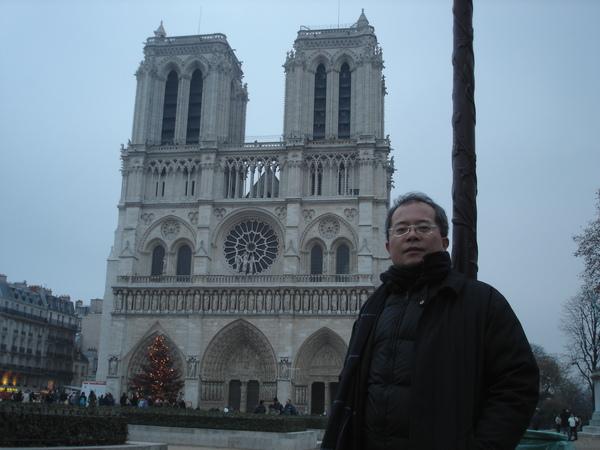 巴黎聖母院, 2004