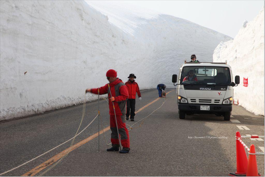 立山雪之大谷 (10).JPG