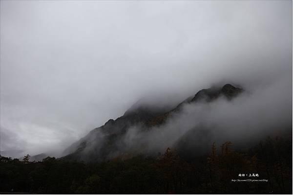 雨訪上高地-河童橋-明神池(47).JPG