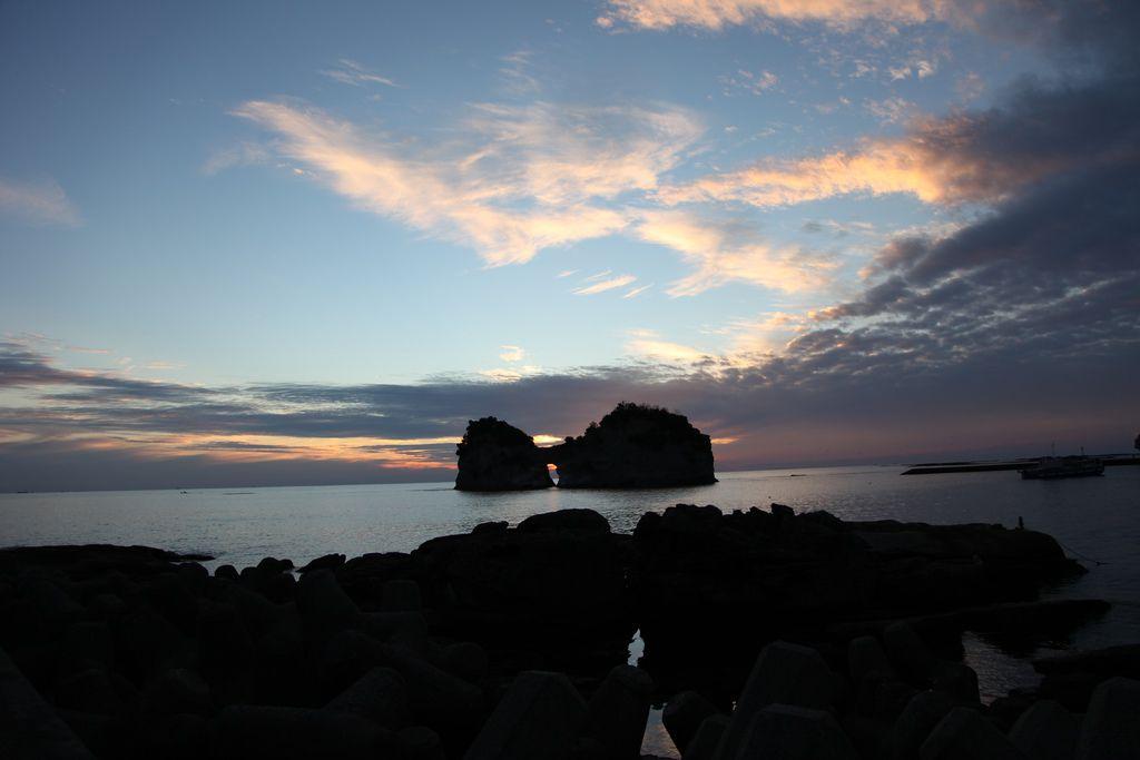 白浜円月島 (11).JPG