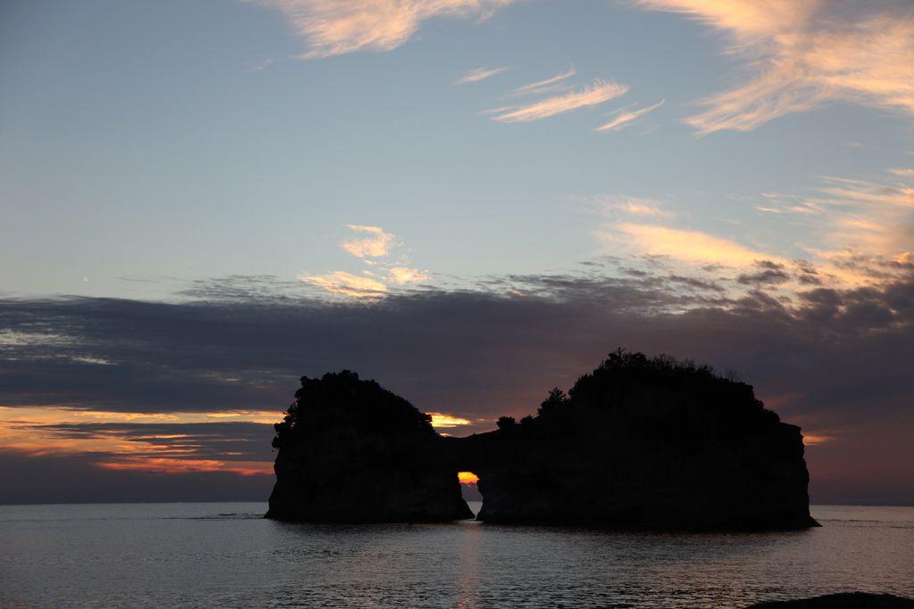 白浜円月島 (12).JPG