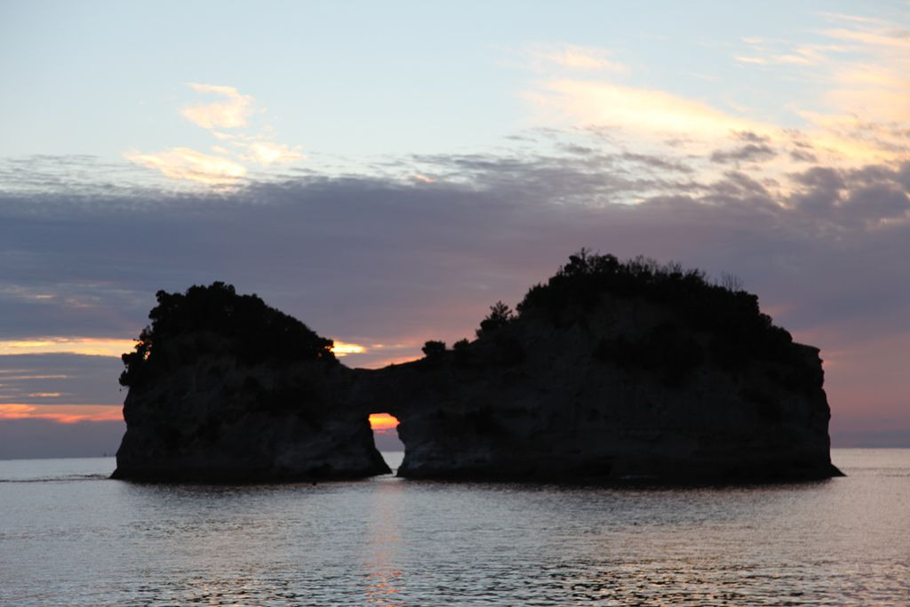 白浜円月島 (14).JPG