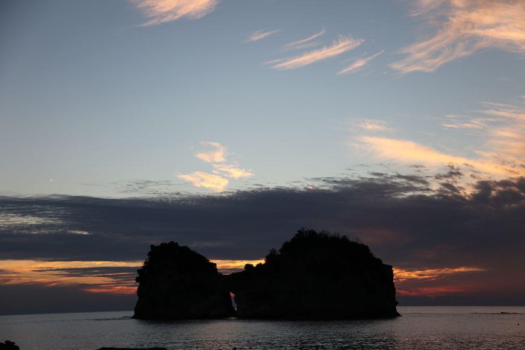 白浜円月島 (15).JPG