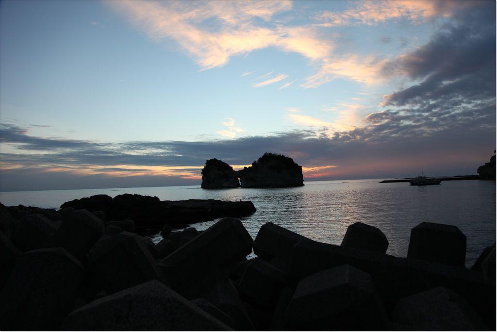 白浜円月島 (16).JPG