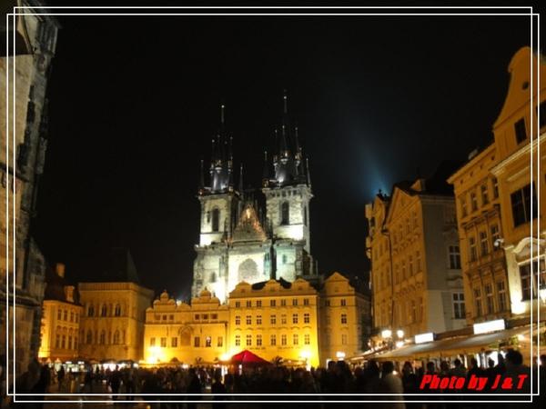 夜的提恩教堂.jpg