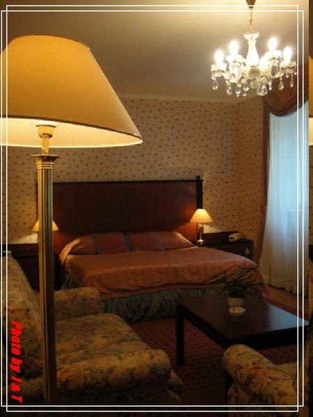 PUPP HOTEL (1).jpg