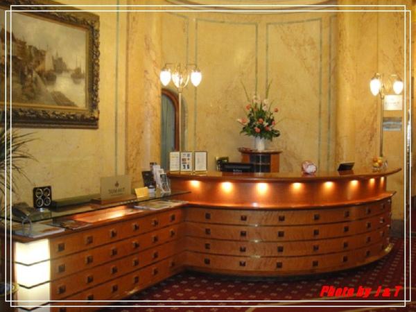 PUPP HOTEL (7).jpg