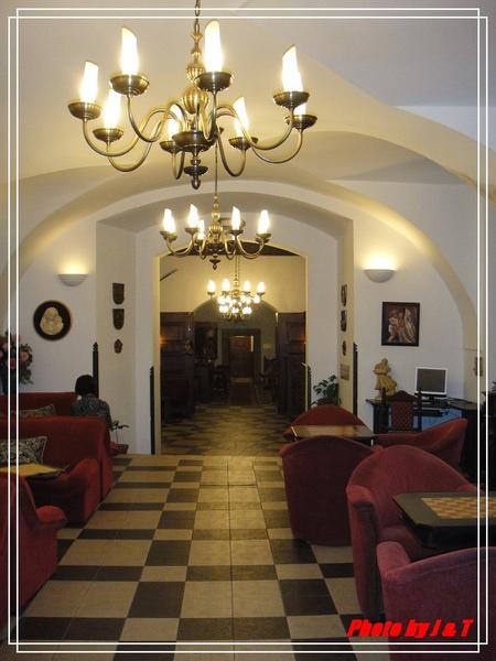 RUZE  HOTEL. (1).jpg