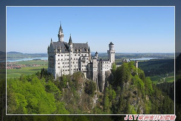 J & T 歐洲蜜月初體驗這是新天鵝城堡.jpg
