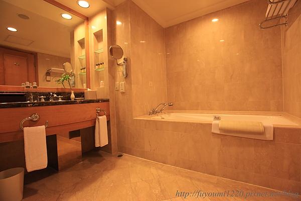 金典浴室.JPG