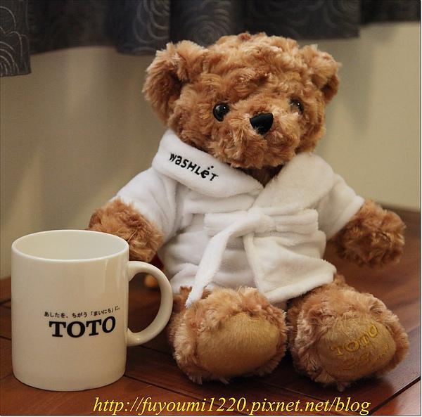 TOTO杯+熊...JPG