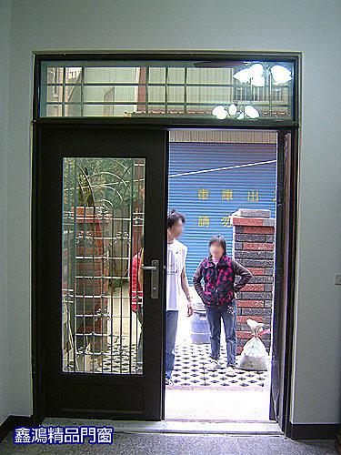 白鐵烤漆門