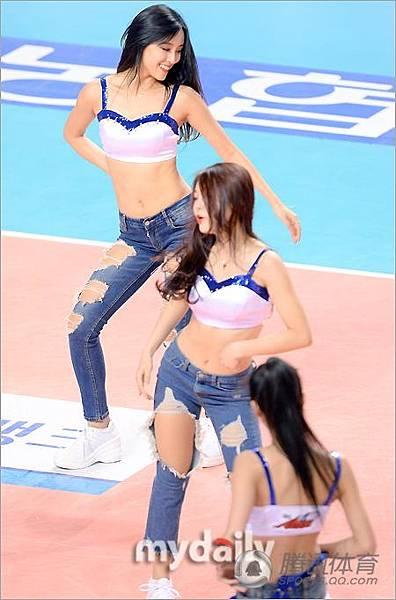 韓寶貝熱舞肩帶不慎滑落|天下現金網|九州娛樂城|BET5588.NET