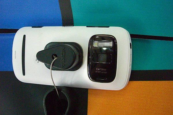 Nokia 808 (8)