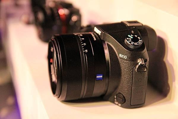 RX103.jpg