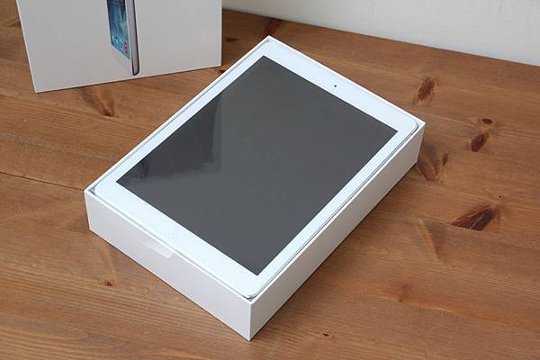iPadAirUnbox05.jpg