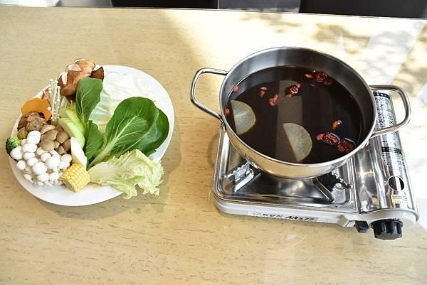 何首烏養生火鍋