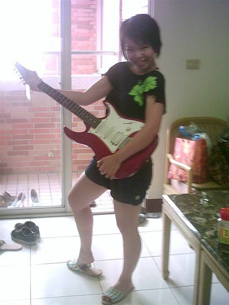 學姊他弟的電吉他