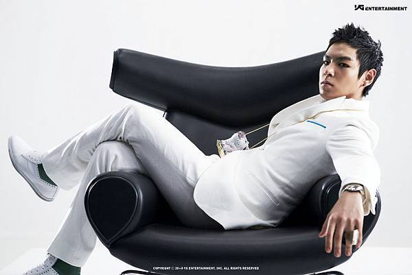 BIGBANG-TOP-Turn-It-Up-HD-Wallpaper.jpg