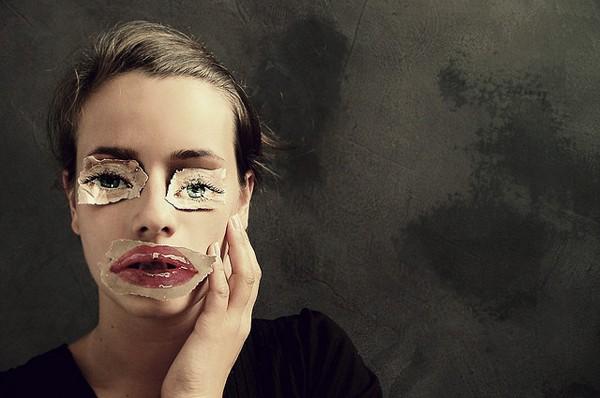 Laura Zalenga (1).jpg