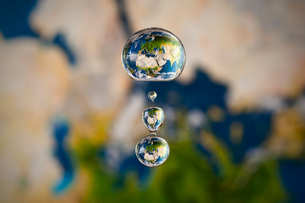 liquid_worlds_earth_markus_reugels