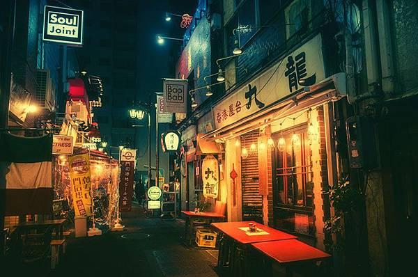 7214290_photos-of-tokyo-back-alleys-by-masashi-wakui_tf21bfeaf.jpg