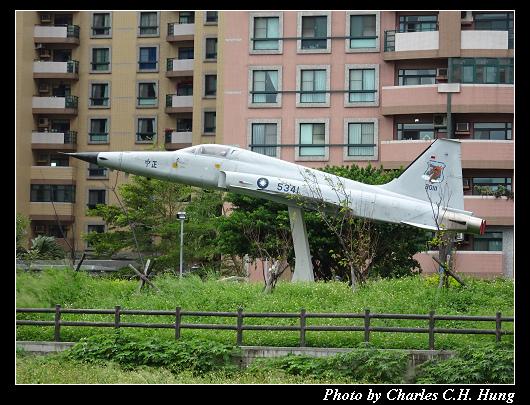 F-5E_002.jpg
