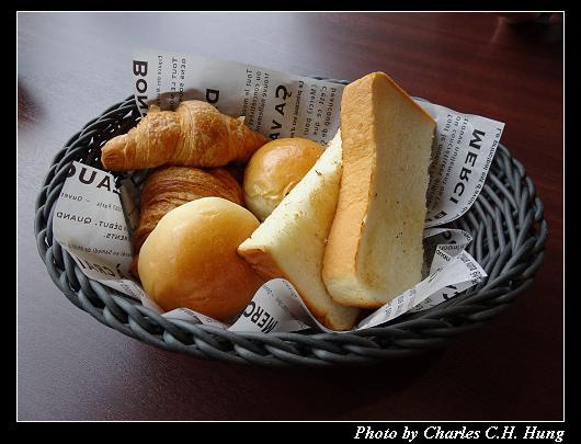 Cafe 24_008.jpg