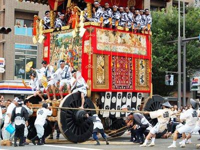 衹園祭是八坂神社在7月里舉行的長達1個月的盛大祭祀活動。