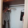 茂昌閣-衣櫃,另一邊有保險箱