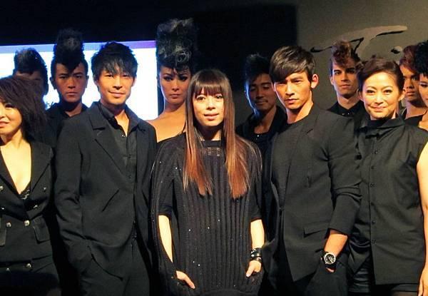 2011潘怡良服裝秀03