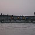 大型機具抽積水與淤泥.JPG