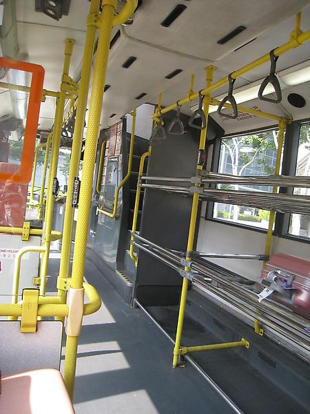 離開香港機場前往東浦城的雙層巴士S1