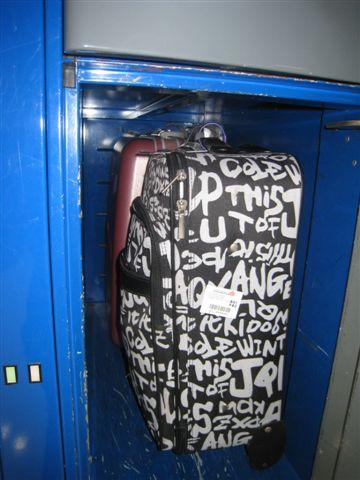 行李置物箱-1