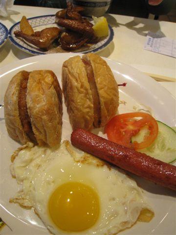 豬扒包_澳門茶餐廳