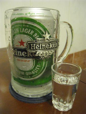 備料_新鮮海尼根一罐&烈酒一小杯_深水炸彈_好酒不見.JPG