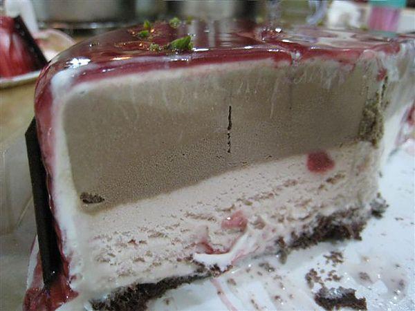巧克力+草莓雙層_豪華慶典_生日&母親節_巴黎花神冰淇淋蛋糕_Haagen-Dazs.JPG