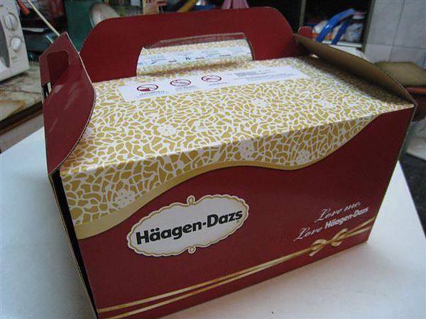 外盒包裝_豪華慶典_生日&母親節_巴黎花神冰淇淋蛋糕_Haagen-Dazs.JPG