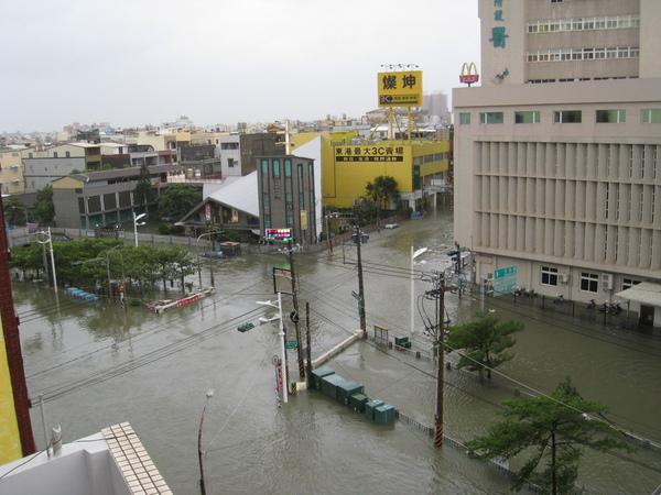 0809清晨淹水狀況依舊
