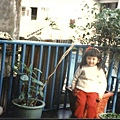 當時奶奶很愛把我裝成小公主~
