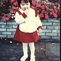 小時候阿祖最愛帶我去游泳池了呢!