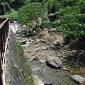 這是瀑布的水,好乾淨說(第一次涼山之旅)