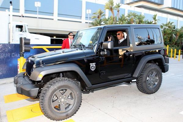 Kobe drove a new 2011 Jeep Wrangler Call of Duty  Black Ops Edition.jpg