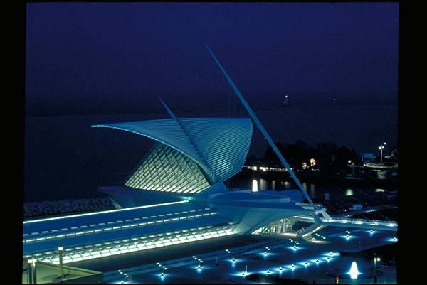 Milwaukee Art Museum 5.jpg