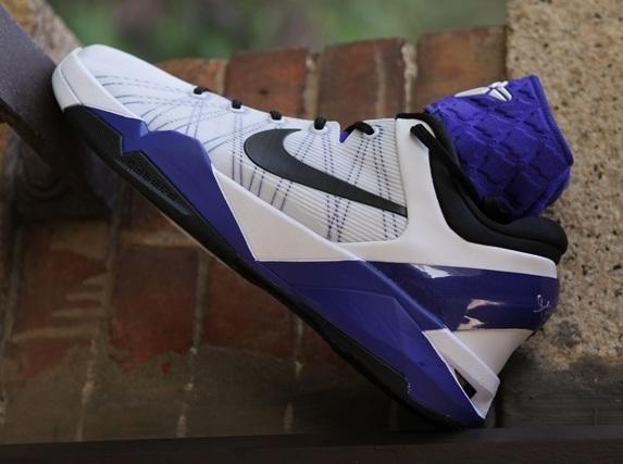 Nike-Zoom-Kobe-VII-Supreme-13.jpg