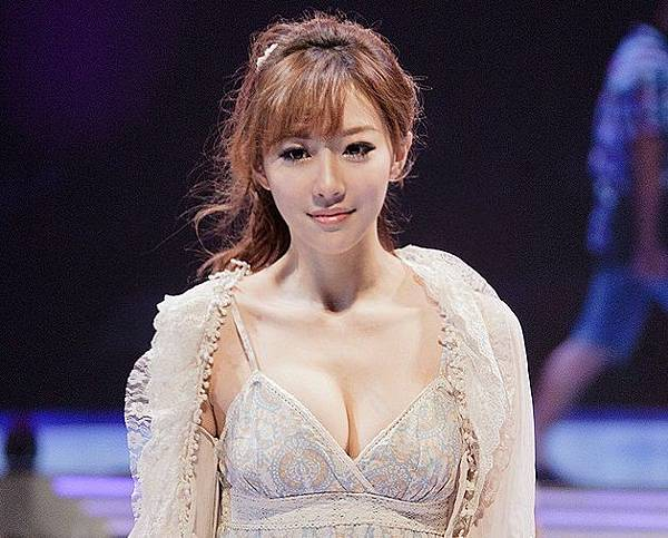 Baidu-HR-MM-becoming-super-star-overnight1.jpg