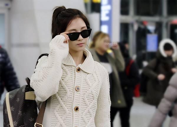 Seohyun-Airport-Fashion-Hong-Kong-and-Gimpo-seohyun-girls-generation-28355282-1200-860.jpg