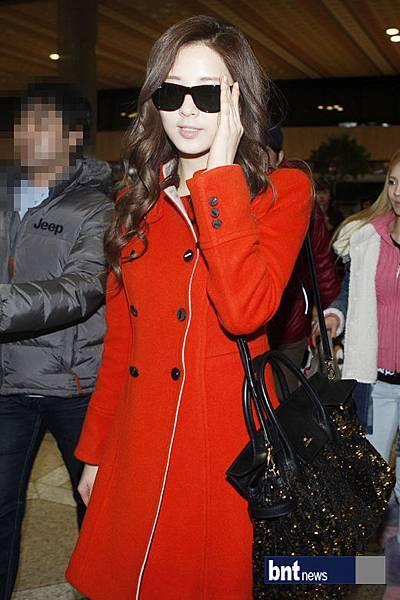 Seohyun-Airport-Fashion-Hong-Kong-and-Gimpo-seohyun-girls-generation-28355268-520-780.jpg